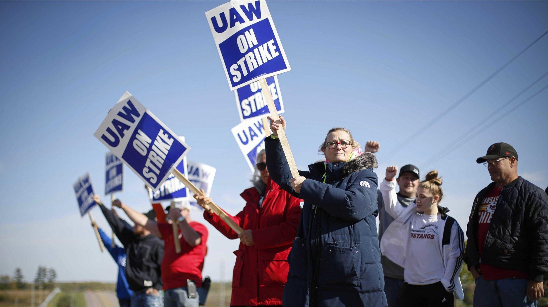Etats-Unis: les grèves explosent sur fond de pénuries