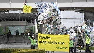 Plastique: Nestlé serait le 4e plus gros pollueur au monde