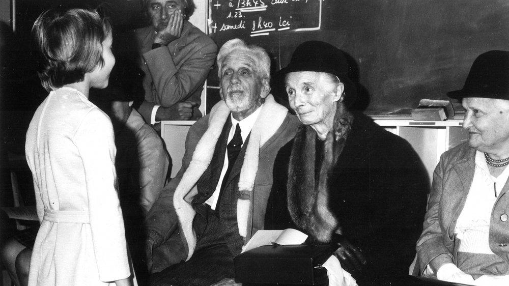 Nelty de Beausobre (au centre), ici avec sa sœur Germaine, est décédée le 14 octobre 1977, jour de son 90eanniversaire.