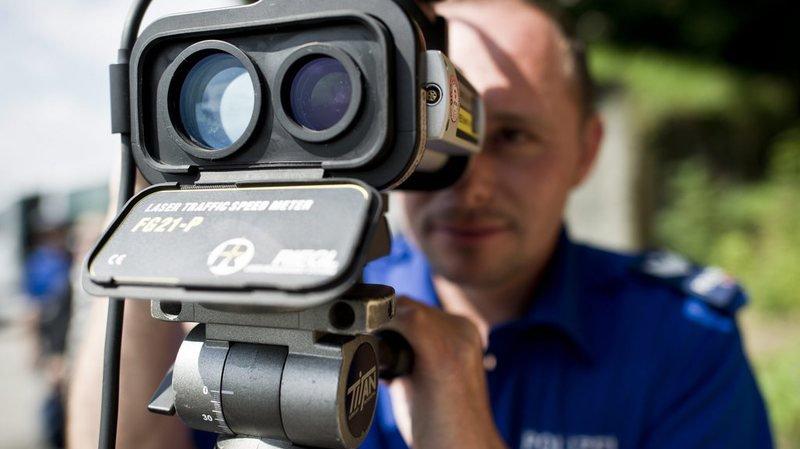 Lucerne: 6 chauffards roulaient jusqu'à 280 km/h sur l'autoroute, la police les coince grâce à leurs vidéos