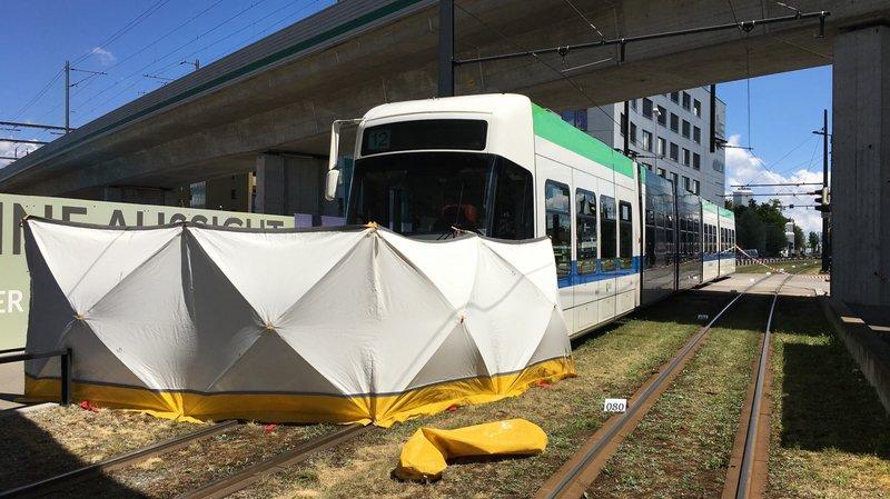 Zurich: une cycliste de 12 ans meurt happée par un tram à Wallisellen