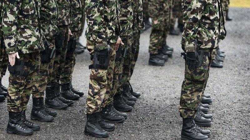 Armée: près de 8'000 jeunes Suisses commencent leur école de recrue