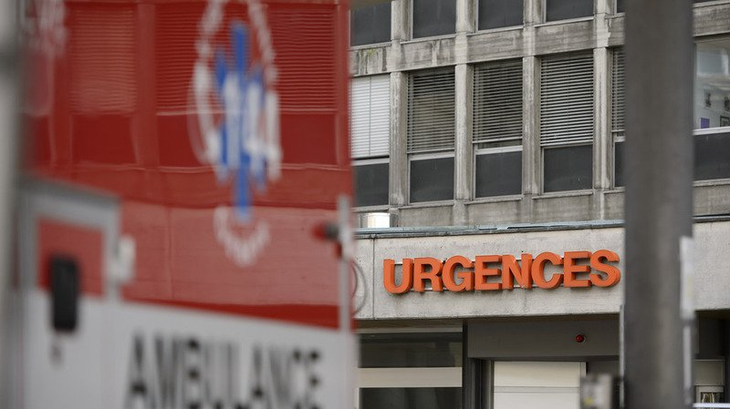L'enfant a été hospitalisé après des premiers soins sur place.