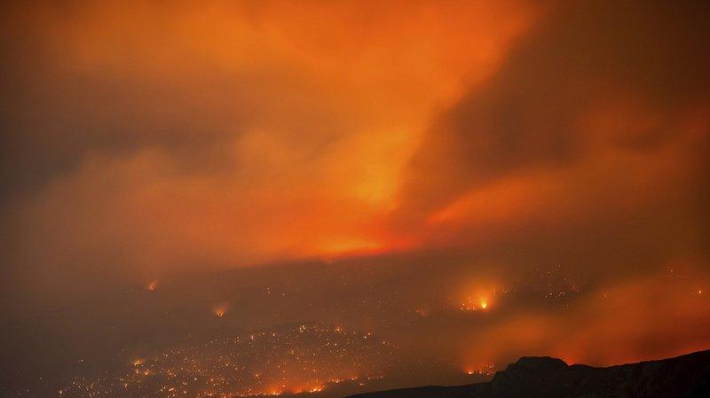 Les ordres d'évacuation, annoncés samedi soir, concernent 24'000 personnes dans la région, selon la chaîne publique CBC.