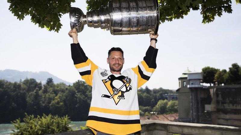 Hockey: Mark Streit ramène la Coupe Stanley chez lui, à Berne
