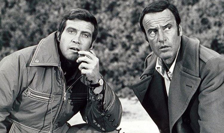 """Richard Anderson était notamment connu pour avoir interprété le personnage d'Oscar Goldman dans les séries """"L'Homme qui valait trois milliards"""" et """"Super Jaimie""""."""