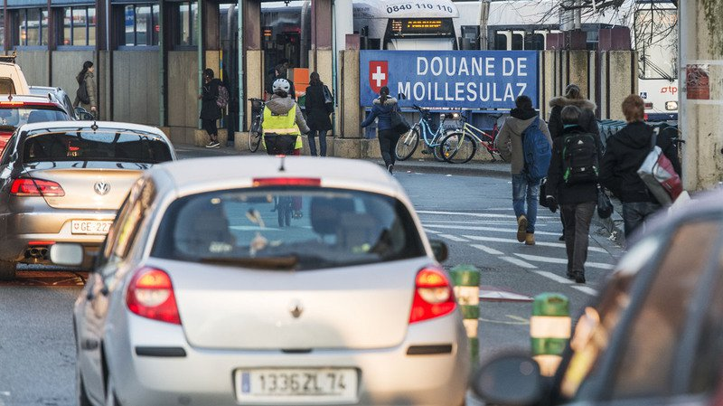 Marché du travail: hausse des travailleurs frontaliers entre avril et juin