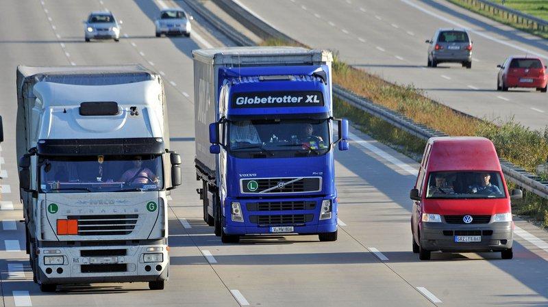 France: ivre, un chauffeur de poids lourd roule à 15 km/h sur l'autoroute
