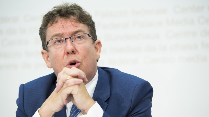 Succession de Burkhalter: le président de l'UDC Albert Rösti dit indirectement son soutien à Cassis
