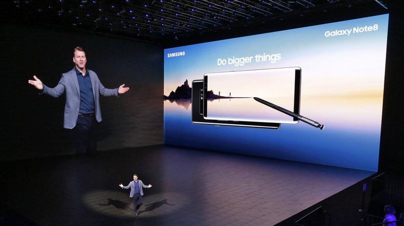 Téléphonie: Samsung présente son Galaxy Note 8 pour faire oublier le fiasco du Note 7 et affronter le prochain iPhone