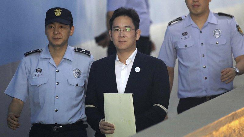Téléphonie: Lee Jae-Yong, l'héritier de l'empire Samsung, condamné à 5 ans de prison pour corruption