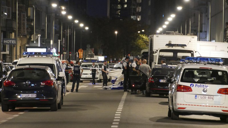 L'assaillant a été neutralisé par les forces de l'ordre et est décédé.