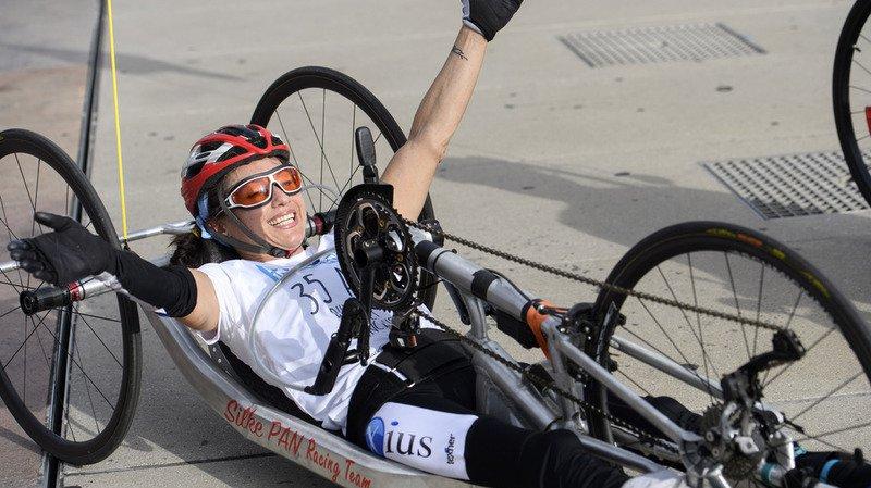 Suisse: Silke Pan, athlète paraplégique rallie Sion à Genève en handbike