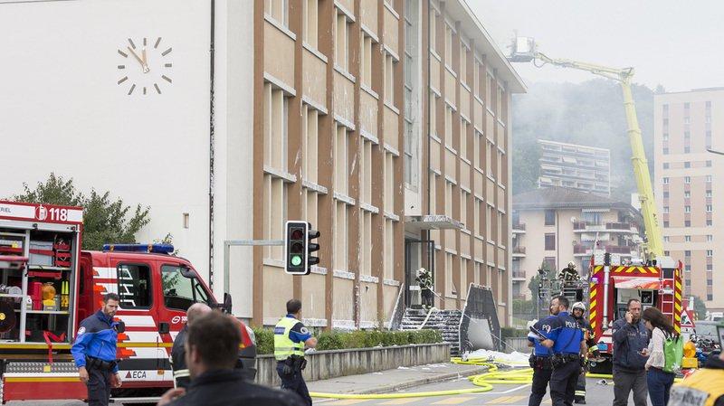 Les pompiers et la police en action lors de l'incendie du collège des Crosets à Vevey, le lundi 4 septembre 2017.
