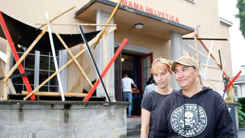 Un lieu d'accueil éphémère où se mêlent artistes, migrants et Nyonnais