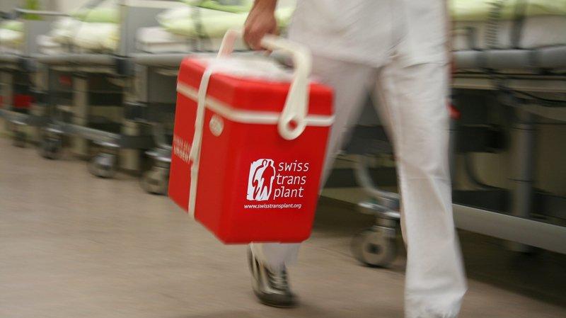 Les transplantations se déroulent uniquement dans les hôpitaux équipés en conséquence.