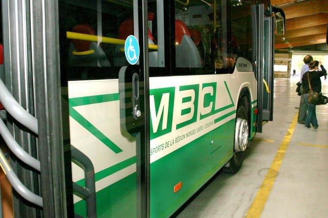 Les cars postaux remplaceront les MBC pour transporter les écoliers