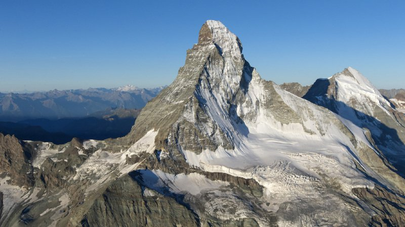 Valais: un alpiniste perd la vie à Zermatt