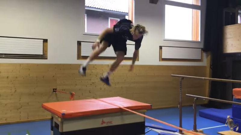 Impressionnant: la vidéo de l'entraînement du skieur suisse Andri Ragettli fait le tour du monde