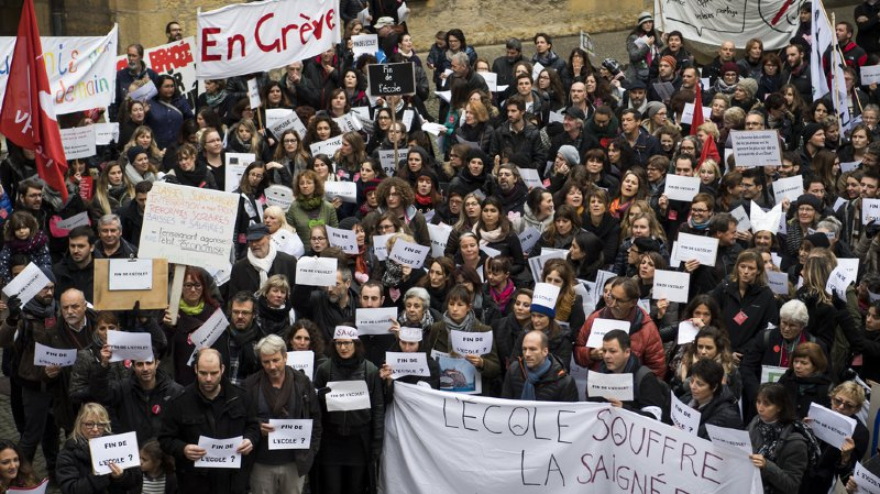 Travail: les Suisses font rarement la grève, les Français restent les champions en la matière