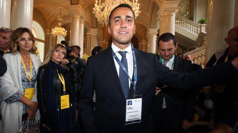 Sept candidats se présentent face à Luigi Di Maio. Mais ils sont pour la plupart des élus locaux et aucun n'a l'envergure nationale du jeune protégé de Grillo.