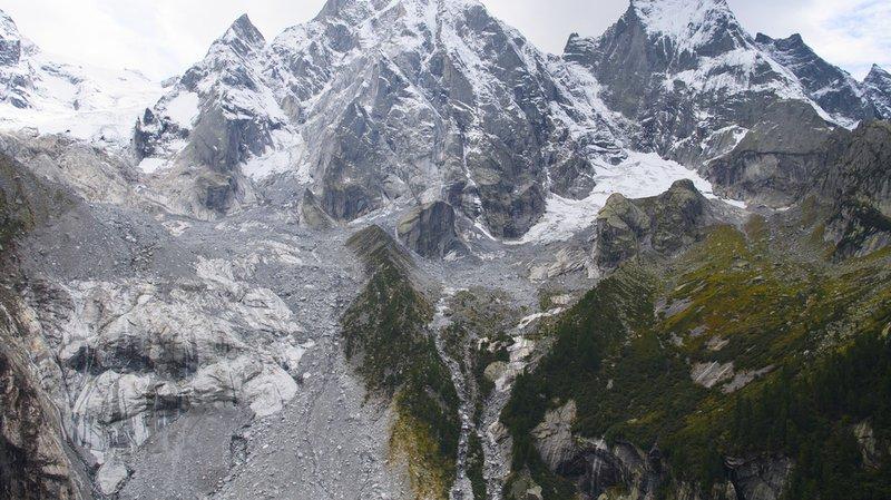 Grisons: des tonnes de rochers se sont à nouveau effondrés du Piz Cengalo, au-dessus de Bondo