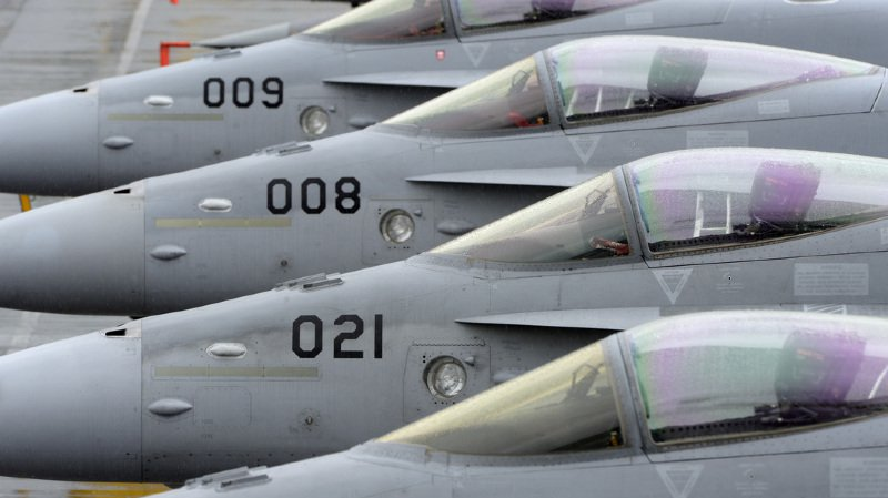 Armée: l'utilisation des F/A-18 sera prolongée jusqu'en 2030
