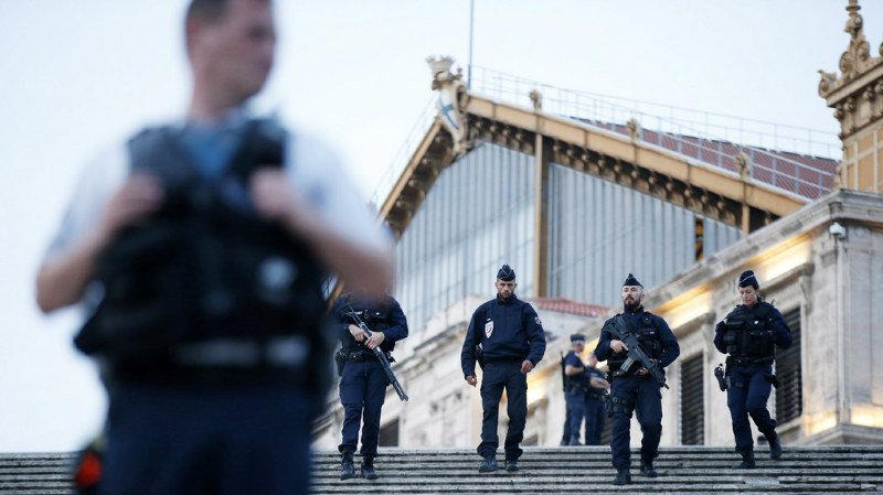 Attaque au couteau à Marseille: le tueur avait eu affaire à la police à sept reprises depuis 2005