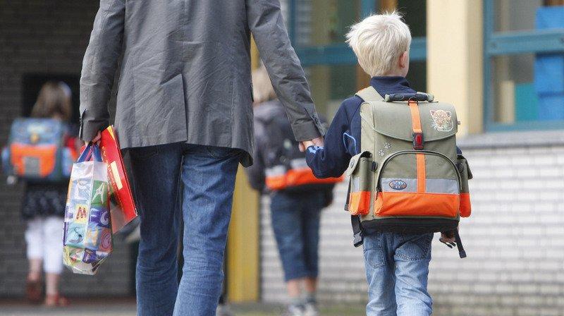 Les pères doivent pouvoir passer plus de temps avec leur progéniture.