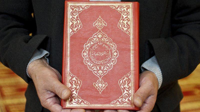 Islam: le Conseil fédéral ne veut pas interdire la distribution de corans dans la rue