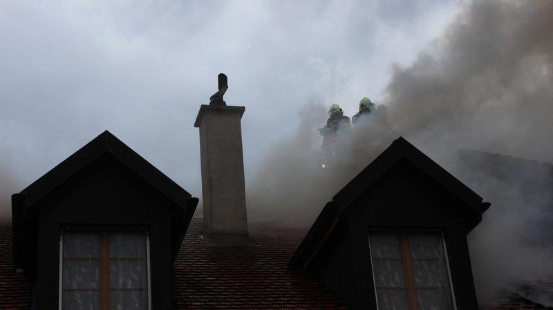 La maison a été entièrement détruite.