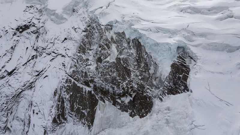 Saas-Grund: le pan de glacier qui menaçait le village s'est effondré et les habitants peuvent rentrer chez eux