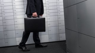Le bras de fer au Parlement sur le secret bancaire continue