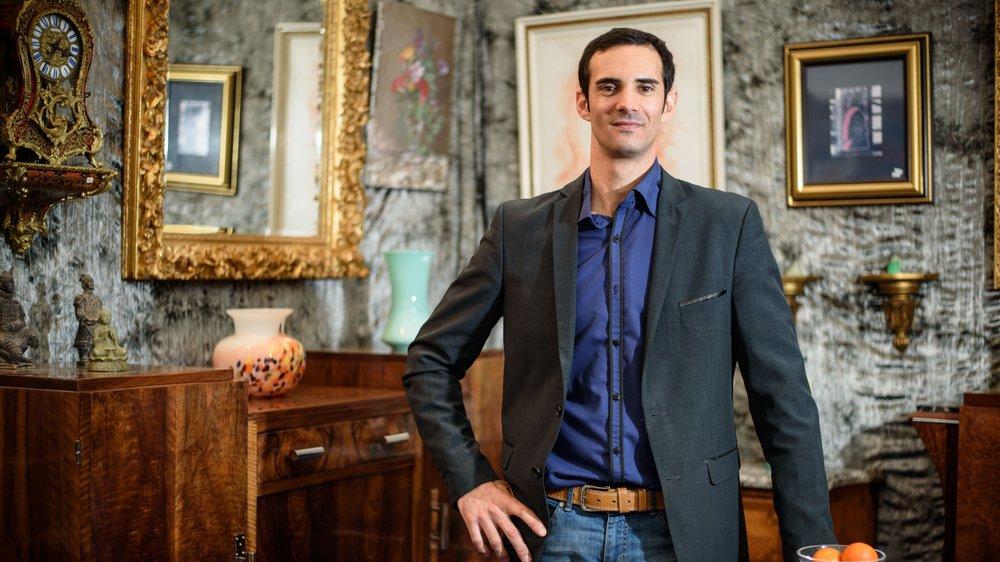 Selon Olivier Vach, ébéniste et antiquaire, le marché des meubles anciens trouve toujours des acheteurs.