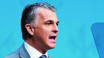 Selon le patron d'UBS,  Sergio Ermotti, le siège  de la banque n'est pas garanti  en Suisse.