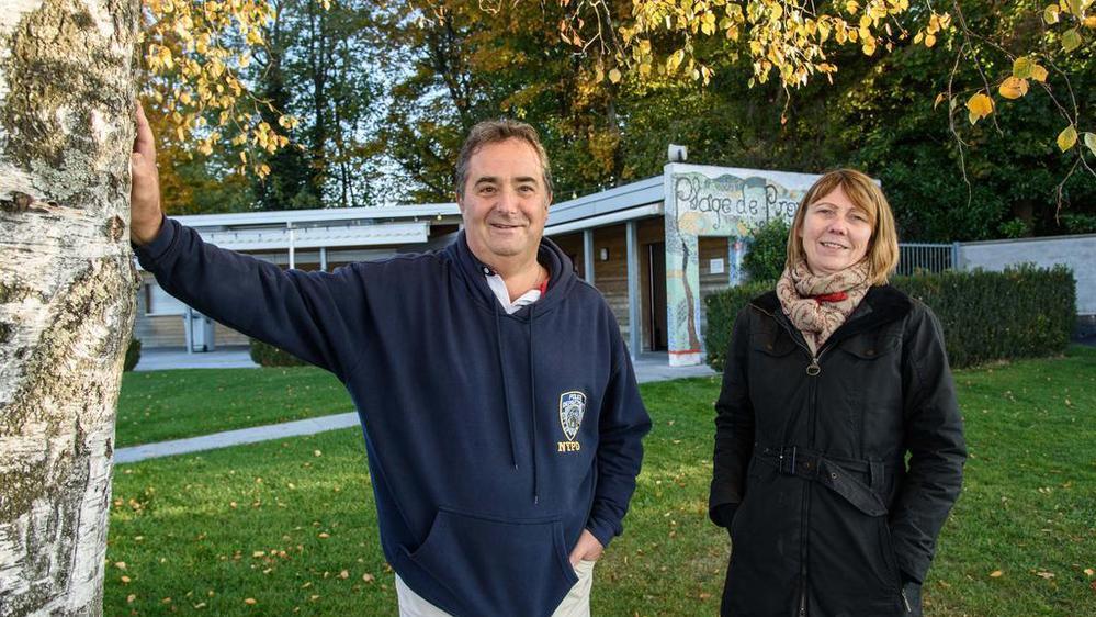 Michel Soller, responsable de la plage de Promenthoux et Anne-Lise Müller, présidente de la Société de Développement de Prangins