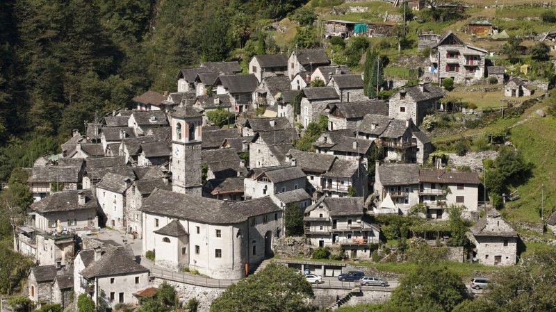 Le hameau se situe dans le Val Verzasca.