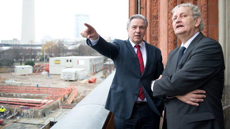 D'apparence bourrue, Eberhard van der Laan (à droite) n'était pas à cheval sur le protocole.