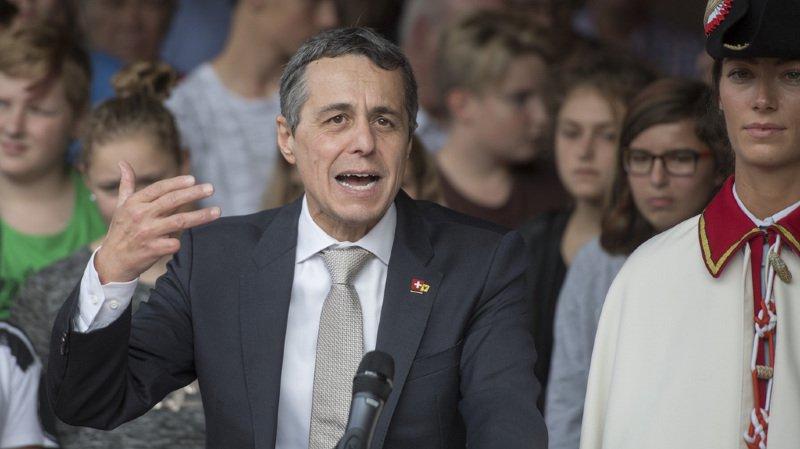 Ignazio Cassis est devenu membre de Pro Tell, le lobby pro-armes, juste avant son élection
