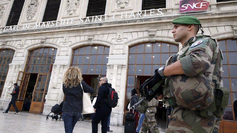 L'homme et son épouse sont accusés en particulier d'avoir entretenu des rapports étroits avec Ahmed Hannachi, l'auteur de l'attentat qui a coûté la vie à deux femmes le 1er octobre à Marseille. (illustration)