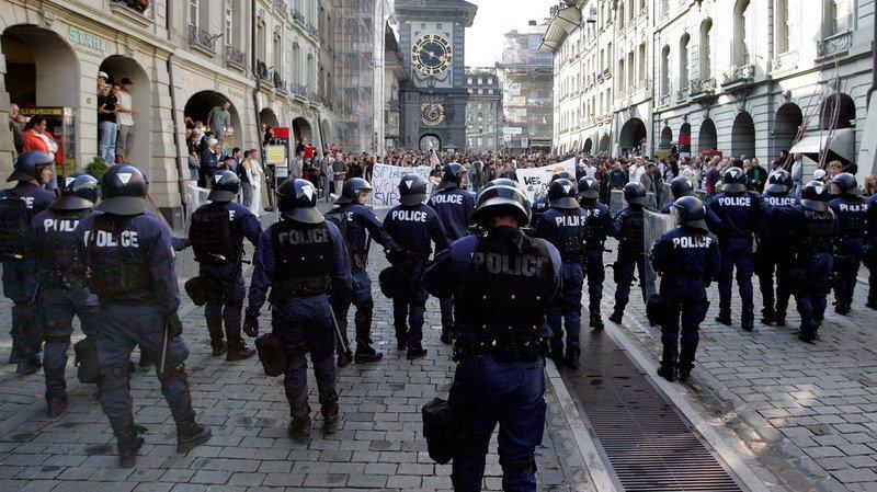 Ville de Berne: la police se mobilise pour prévenir des éventuels débordements liés à une manifestation antifasciste