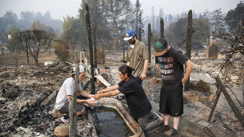 Incendies en Californie: au moins 23 morts, les Etats voisins appelés en renfort