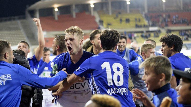 Les joueurs lausannois fêtent leur première victoire en plus d'un an.