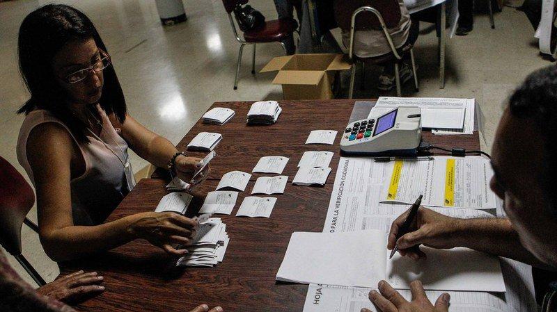 Venezuela: l'opposition refuse de reconnaître les résultats de l'élection des gouverneurs régionaux