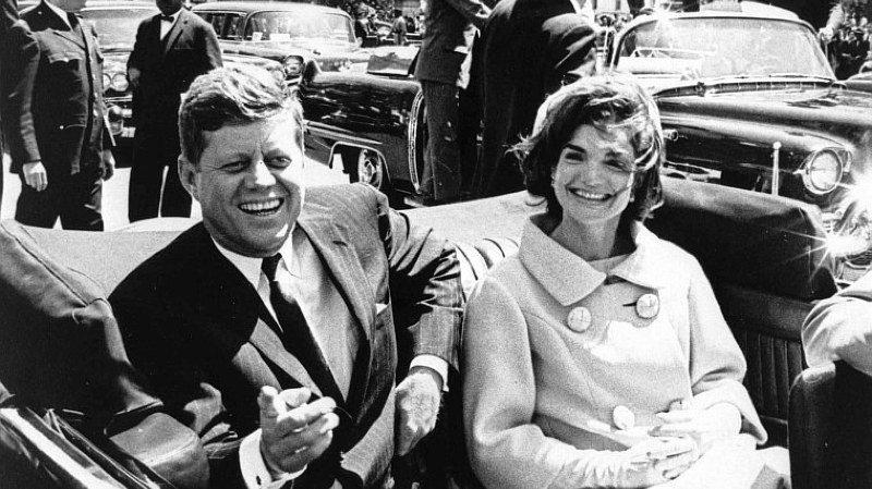 L'ancien président américain John F. Kennedy, ici avec sa femme Jackie, a été assassiné à Dallas en 1963.