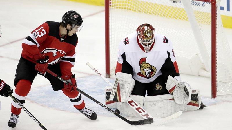 NHL: Nico Hischier atteint les 10 points grâce à deux assists
