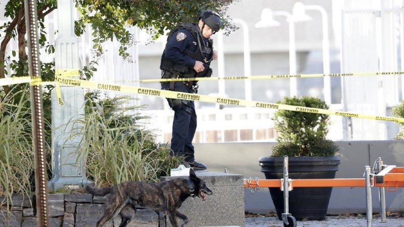 """Présentés vendredi à un juge antiterroriste, ils ont été mis en examen pour """"association de malfaiteurs terroriste criminelle""""."""