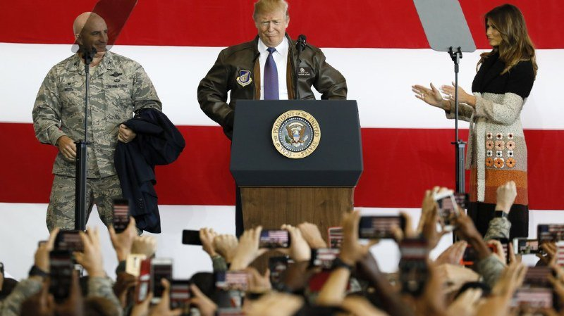 Relations internationales: en visite en Asie, Donald Trump met en garde la Corée du Nord