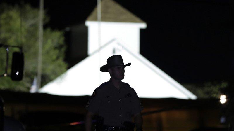Etats-Unis: une fusillade dans une église fait au moins 26 morts au Texas