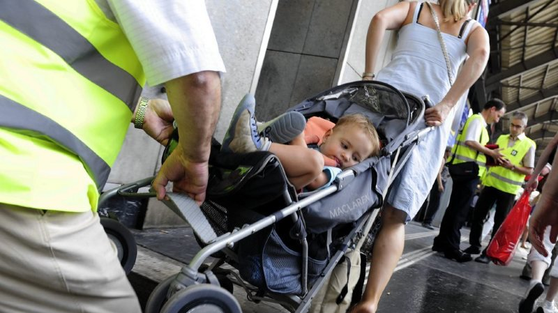 Zurich: un bébé tombé sur les rails sauvé par des passants
